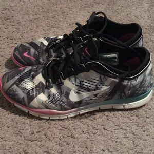 Nike Free tr fit 4 (size 9)